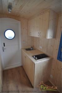 Wattenkieker Küche mit Spüle, Kochplatte, Kühlschrank